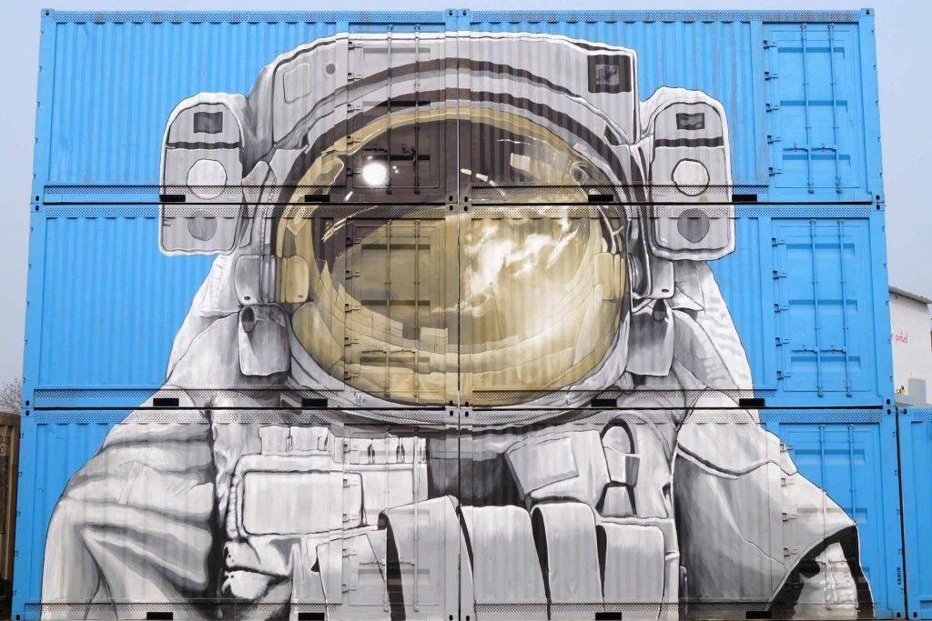 Background Image Astronaut