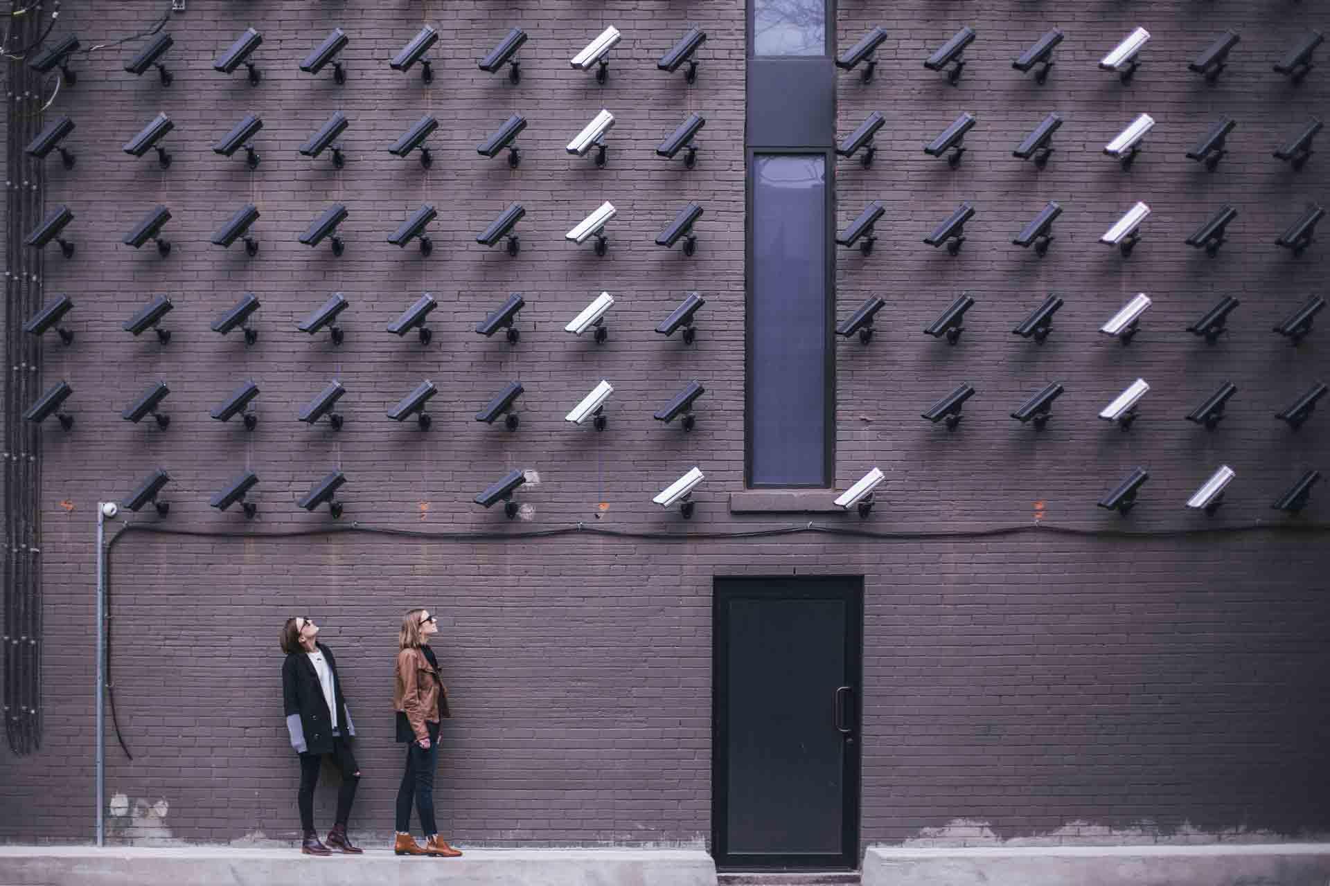 EuGH erklärt EU-US Privacy Shield für ungültig - Photo by Matthew Henry on Unsplash